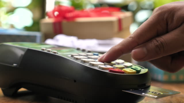 Insert A Credit Card into Credit card reader video