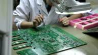 Installation condenser on circuit board video