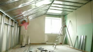 Installation of gypsum plasterboard ceilings video