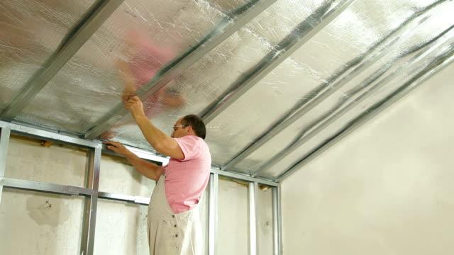 Installation of gypsum plasterboard ceilings video