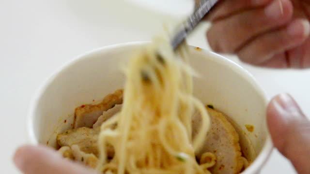 instant noodles video