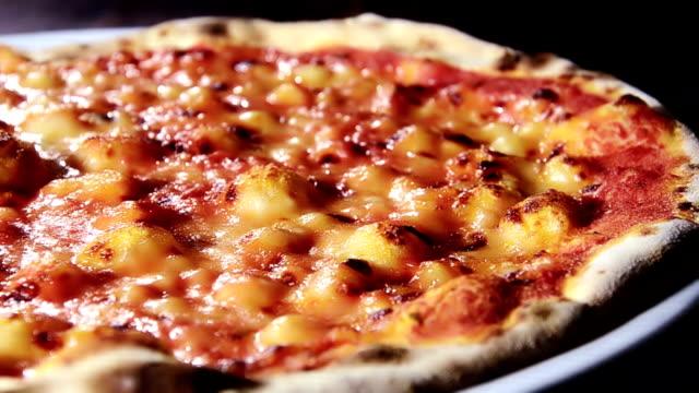 italian food, pizza video