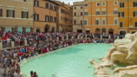 italy summer day rome crowded famous trevi fountain panorama 4k time lapse video