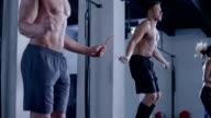 Sautez à la corde échauffement de crossfit club - Vidéo