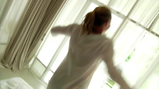Jumping on bed (HD 720) video