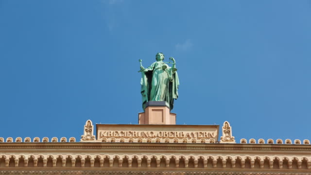 Justicia Statue on munich government building video