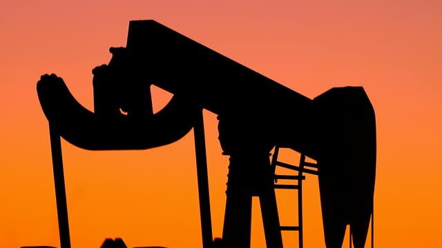 Kansas Dinosaur Oil Pump video