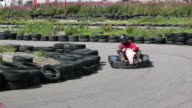 Karting, Motor racing round the track video