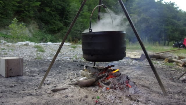 Kettle on the fire video