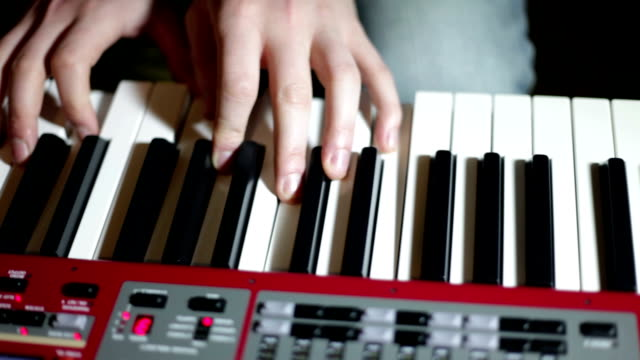 HD CLOSE UP: Keyboard video