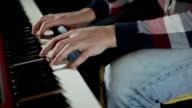 HD CLOSE UP: Keyboard video