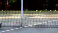 kid play tennis video