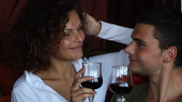 Kiss Romance couple video
