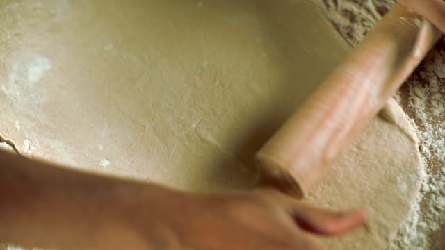 Kneading with rollin pin video