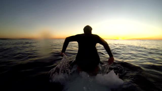 kneepaddling video