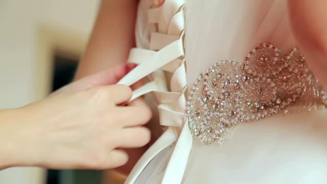 Knotted ribbon bridesmaid dress video