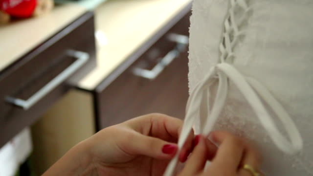 Lacing up a Bridal Corset video
