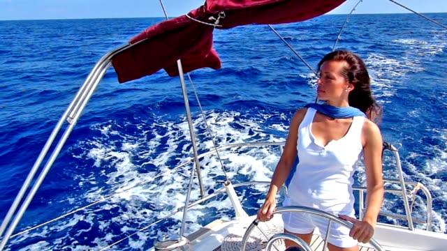 Lady skipper video