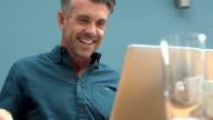 Laptop joy      DE  CM video