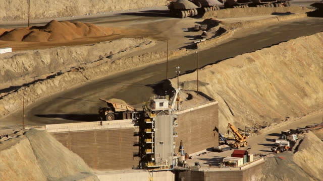 large dump tuck in utah copper mine video