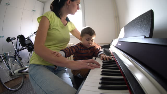 Learning to play the piano video