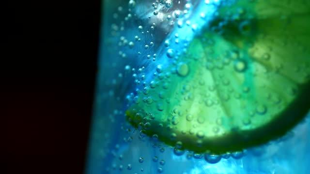 Lemon in soda video