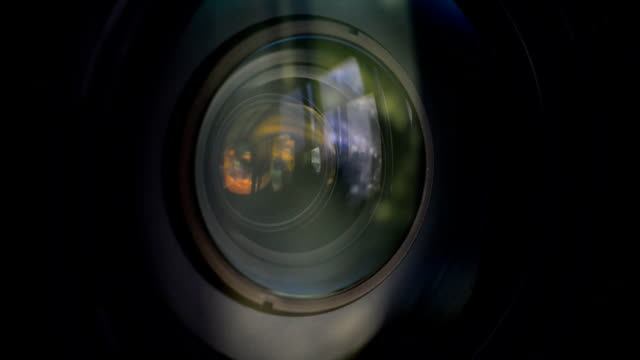 Lens zooming video