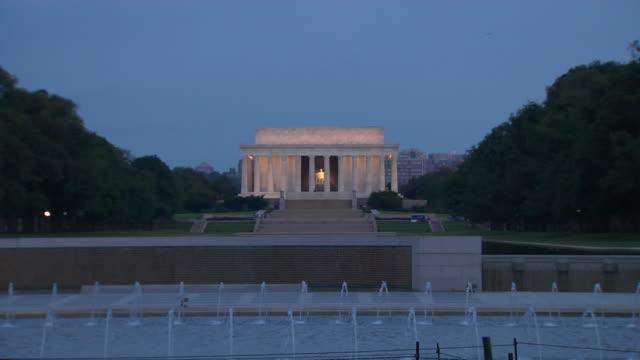 HD Lincoln Memorial Dawn ZoomIn_1 (1080/24P) video