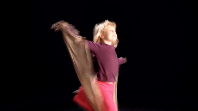 little blond girl dance video