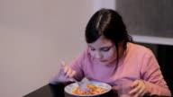 little girl eating spaghetti video