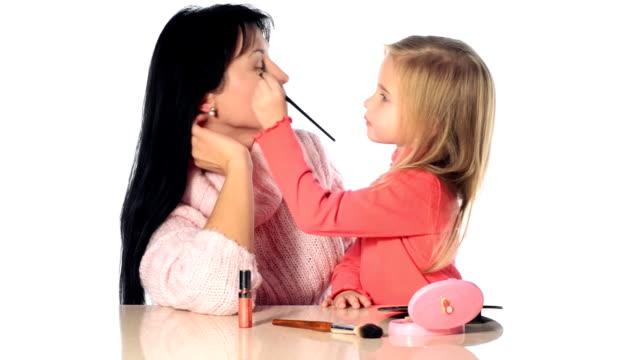 Little girl make-up mother video
