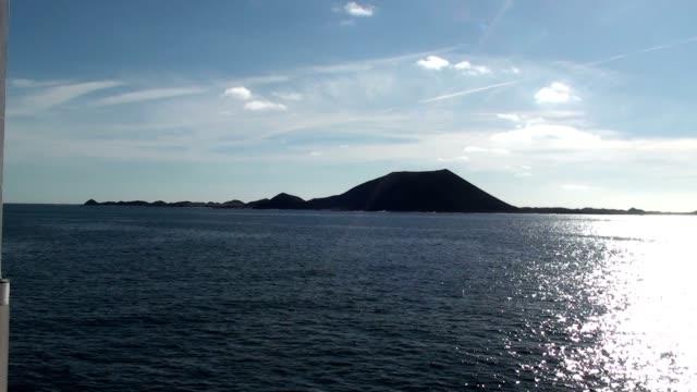 Lobos's Island video
