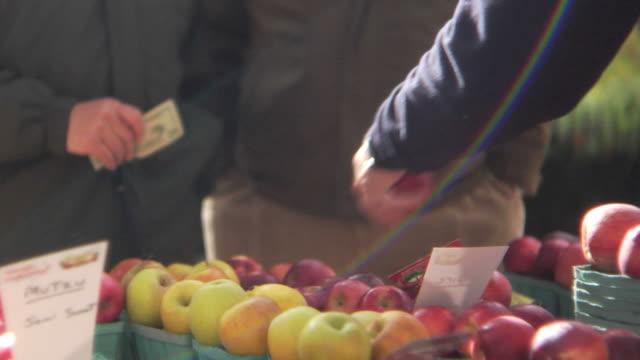 HD: Local market commerce video