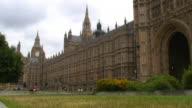 (HD1080i) London Parliament (Big Ben) Westminster Park & Traffic video