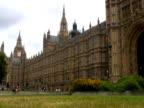 London Parliament (Big Ben) Westminster Park & Traffic video