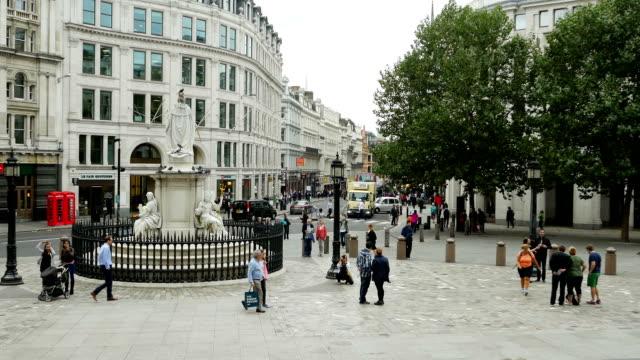 London St Paul's Churchyard (4K/UHD to HD) video
