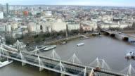 London, Thames, Hungerford Bridge video