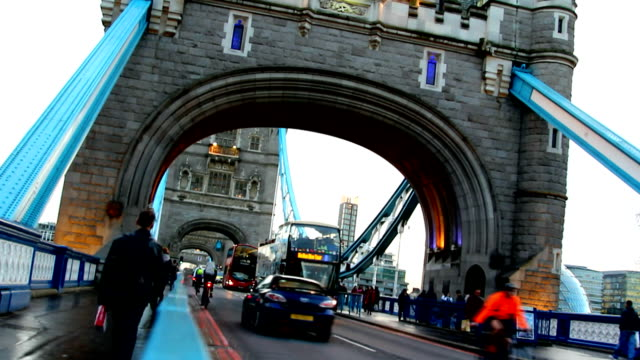 London, traffic on the Tower bridge video