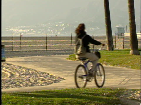 Los Angeles: Venice Beach Bike Path video