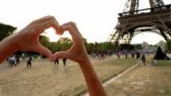 Love-Paris-Heart video