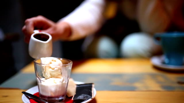 make coffee by my self ,pour the espresso shot video