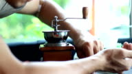 make coffee powder with a coffee grinder video