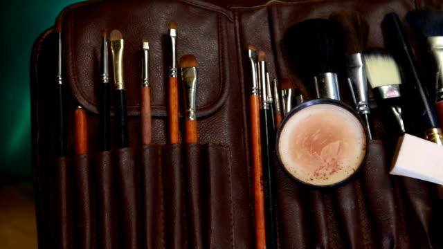 Make-up Brushes video