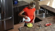 Making cake in the kitchen video