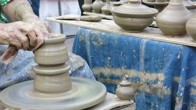 Making clay pot video