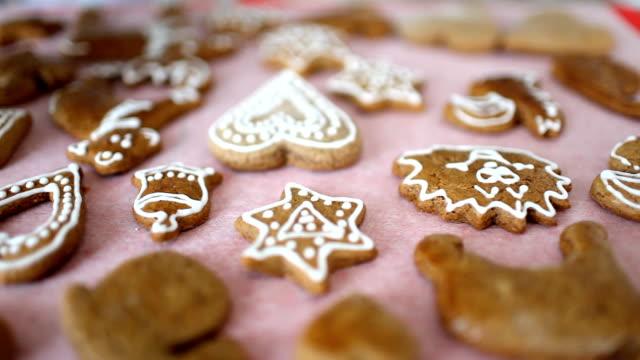 Making gingerbread cookies video