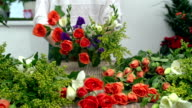 Making Mixed Flower Arrangement video