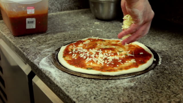 making pizza video