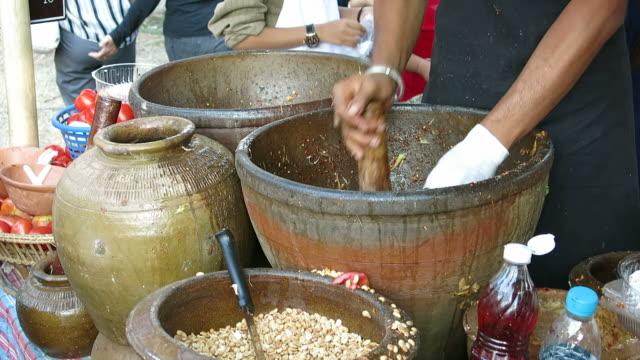 Making Som Tam, Thai food video