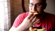 Man eating cookie video